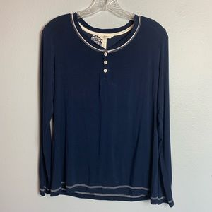 3/$30 SALE—SOMA L/S NIGHT SHIRT SIZE SMALL